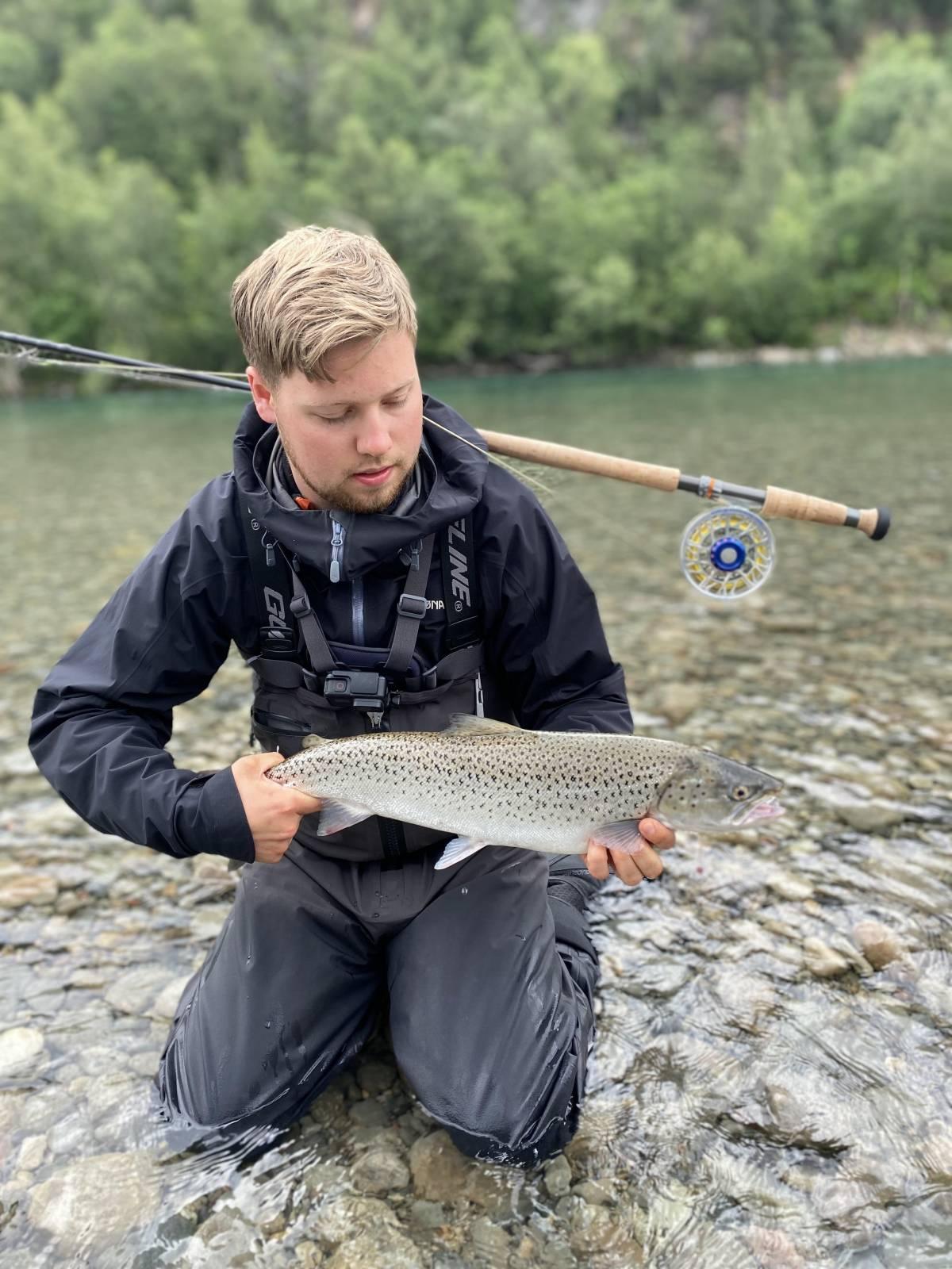 16.07.2021 Andreas Arctander - Sjøørret 2,4 kg